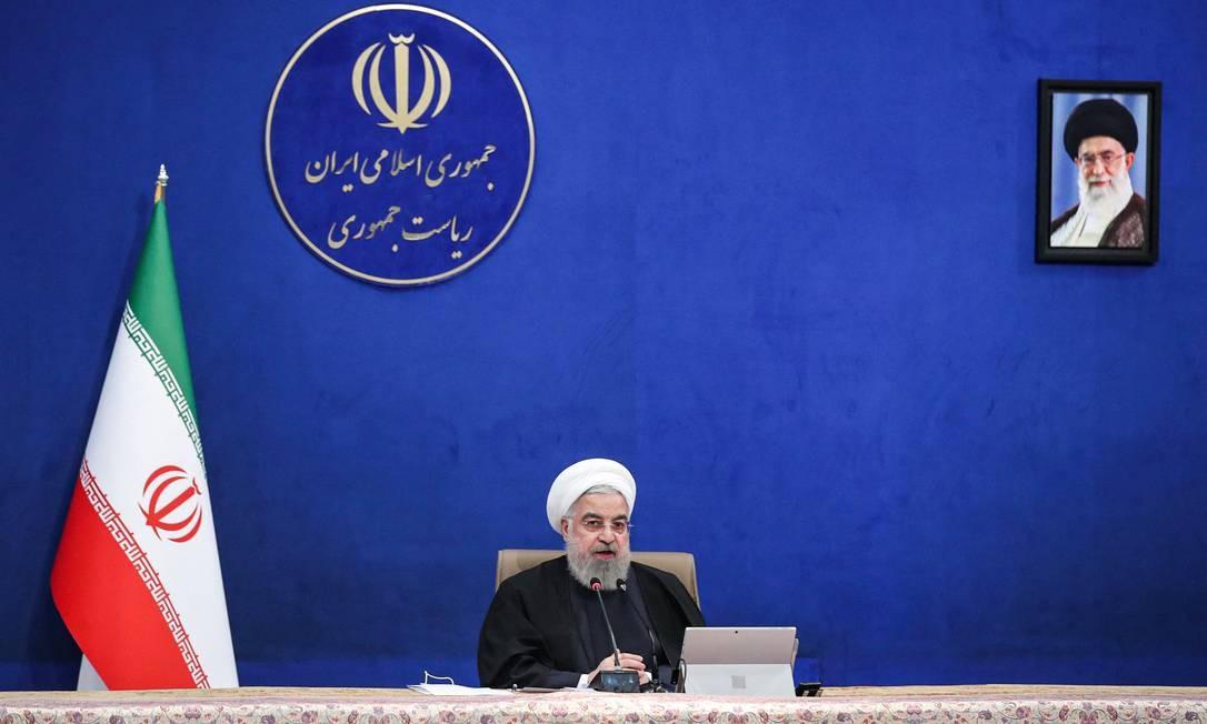 Hassan Rouhani, presidente do Irã, durante uma reunião ministerial em Teerã Foto: - / AFP