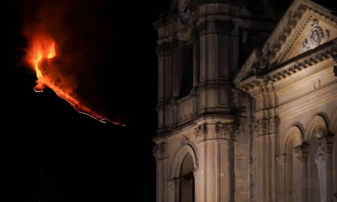 Colate di lava incandescente dall'Etna, il vulcano più attivo d'Europa, visto da Zafferana Etnea, Italia Foto: ANTONIO PARRINELLO/REUTERS