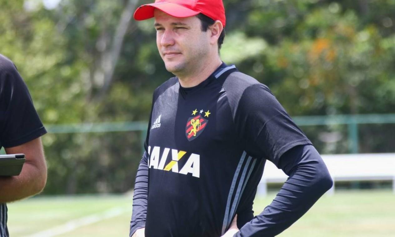 DANIEL PAULISTA (SPORT) - 5ª RODADA - O treinador deixou o comando do Leão sem vitórias no Brasileiro, no fim de agosto Foto: Williams Aguiar/Sport Club do Recife