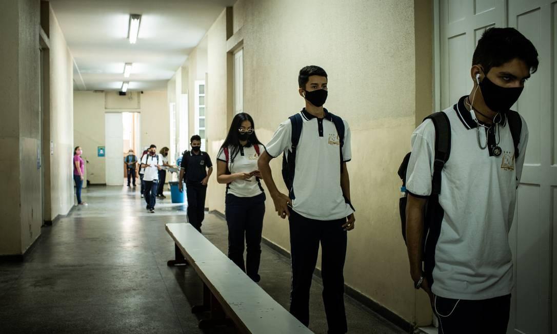 Amazonas, que amargou dura crise com alto número de mortos pela Covid-19, é o primeiro estado a retomar as aulas presenciais para alunos da rede estadual, em agosto do ano passado Foto: Raphael Alves / Agência O Globo - 13/08/2020