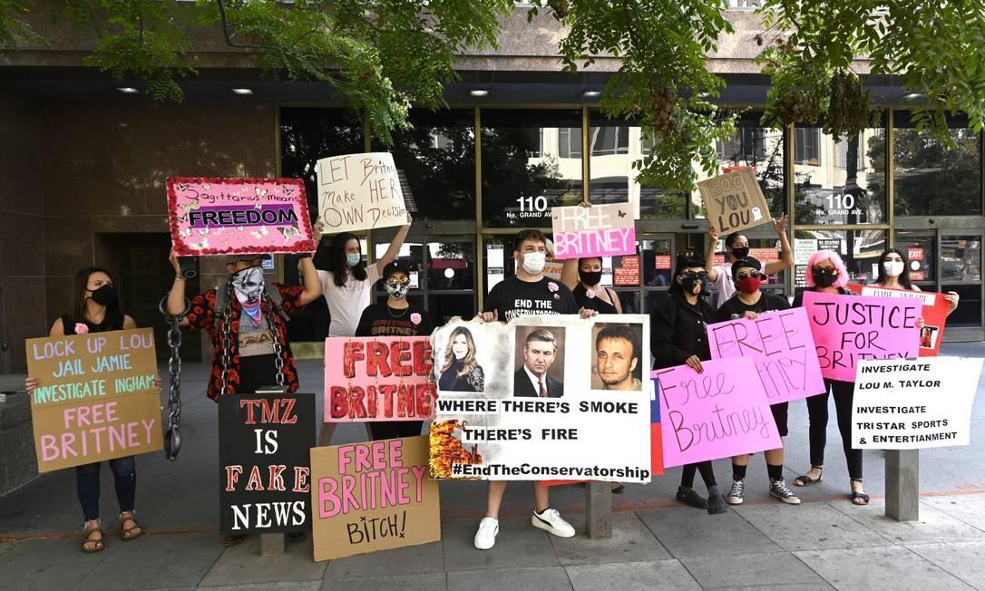 Grupo faz protesto diante de Tribunal em Los Angeles, em setembro de 2020 Foto: Frazer Harrison / Getty Images
