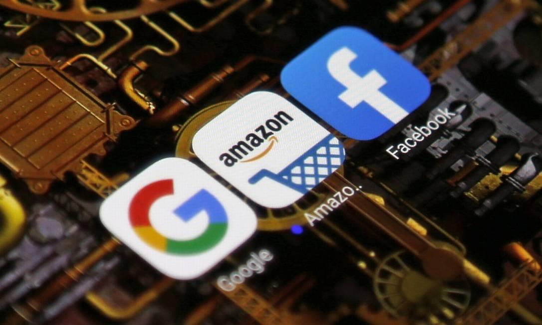 Google, Facebook e Amazon, três dos alvos dos legisladores americanos, junto com a Apple Foto: Roberto Moreyra / Agência O Globo