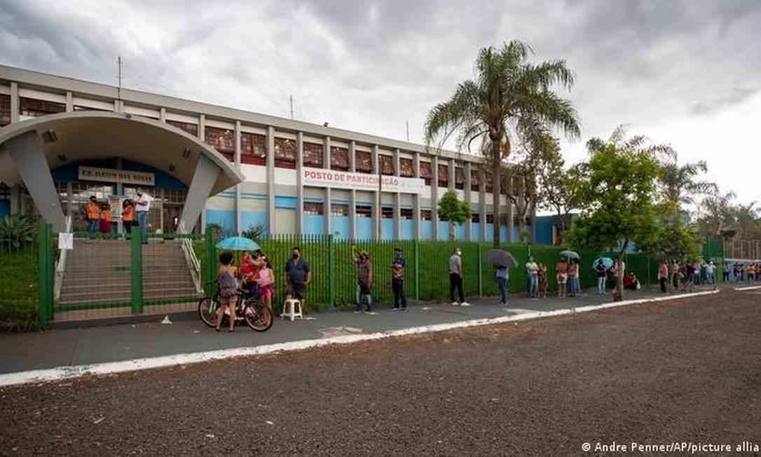 Fila para vacinação em Serrana, no interior de São Paulo Foto: Andre Penner