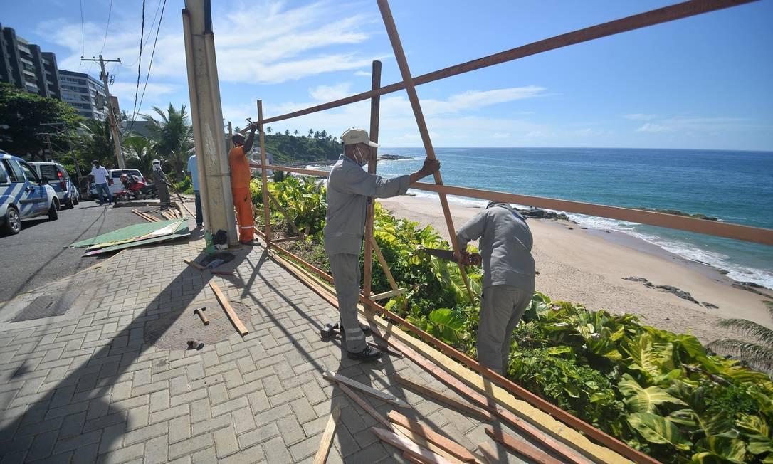 Após lockdown decretado, Salvador (BA) tem suas praias são fechadas ao público para evitar aglomeração Foto: JEFFERSON PEIXOTO/FUTURA PRESS / Agência O Globo