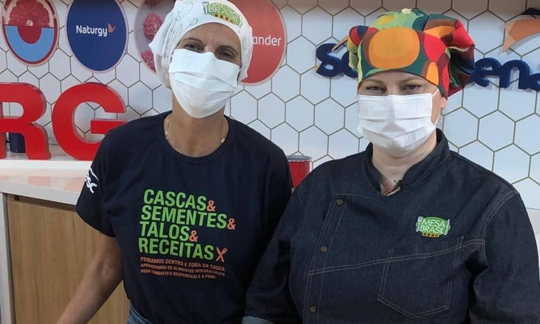 A nutricionista Cristine Ravizzini e a chef Adriana Domingues na aula do Rio Gastronomia: parceria com o Mesa Brasil Sesc Foto: Divulgação