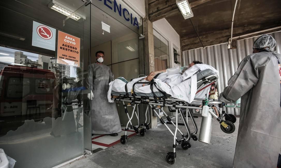Com super lotação de pacientes com Covid-19 foram transferidos de hospitais em Florianópolis na sexta. Foto: Anderson Coelho/iShoot / Agência O Globo