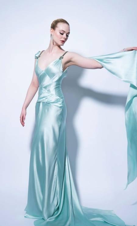 Elle Fanning veste um Gucci para o Globo de Ouro Foto: Reprodução