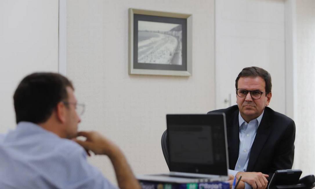 O prefeito Eduardo Paes participou de reunião com o comitê da Covid-19 Foto: Twitter / Reprodução