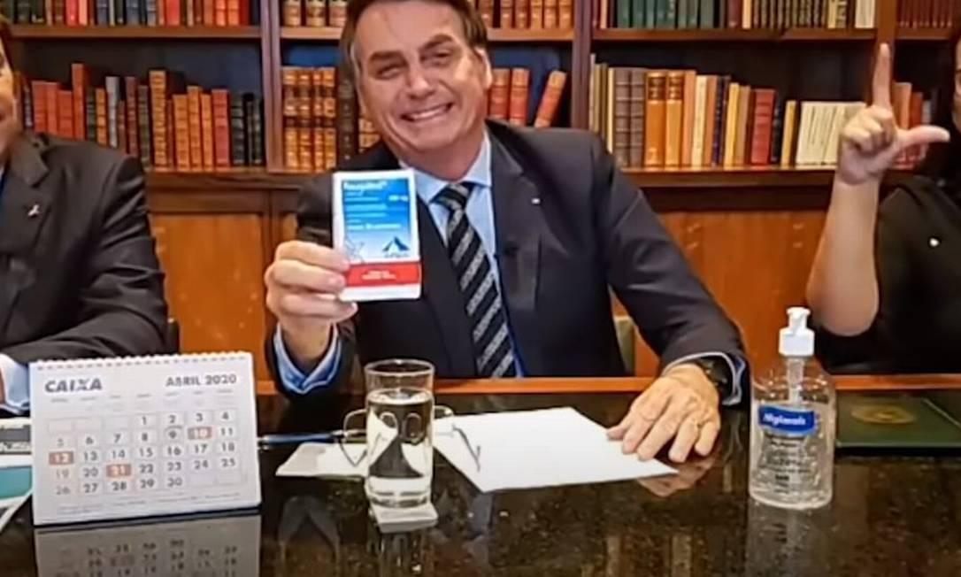 Bolsonaro defendeu o uso de cloroquina em lives, remédio sem qualquer comprovação científica no tratamento da Covid-19 Foto: Reprodução