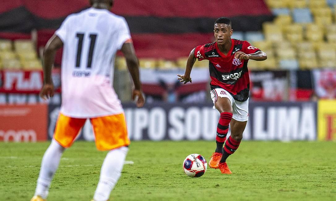 Análise: golaço de Max, do Flamengo, evita sentença sobre safra de jovens do Carioca