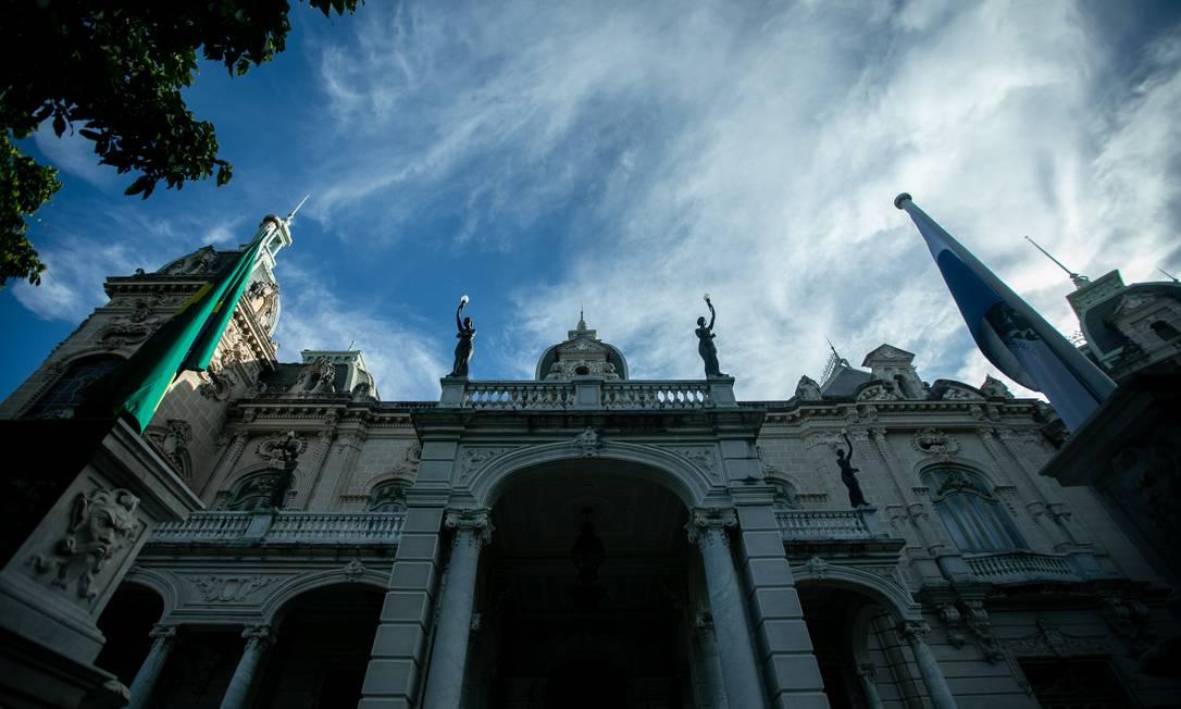 Imponente, o Palácio Laranjeiras continua a servir como residência oficial do governador do Rio Foto: Brenno Carvalho / Agência O Globo