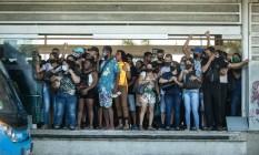 Aglomeração em transportes públicos do Rio Foto: Brenno Carvalho / Agência O Globo