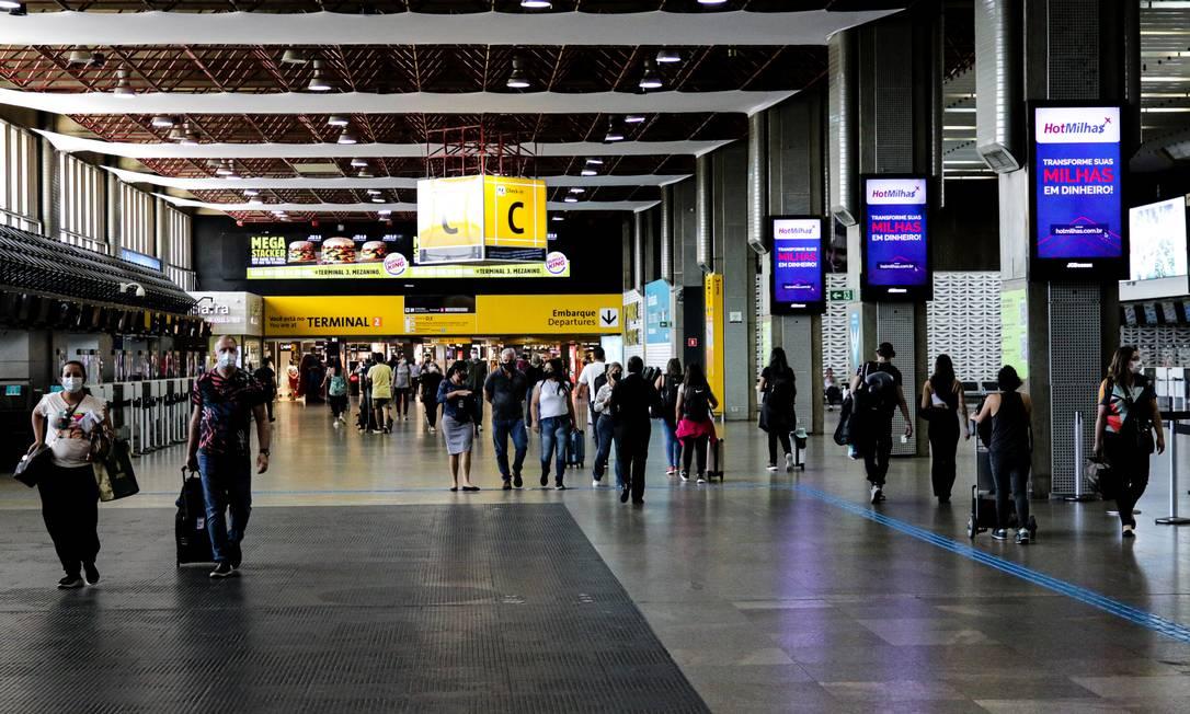 Movimentação no Aeroporto Internacional de Guarulhos, São Paulo Foto: Photo Premium / Agência O Globo/16-02-2021