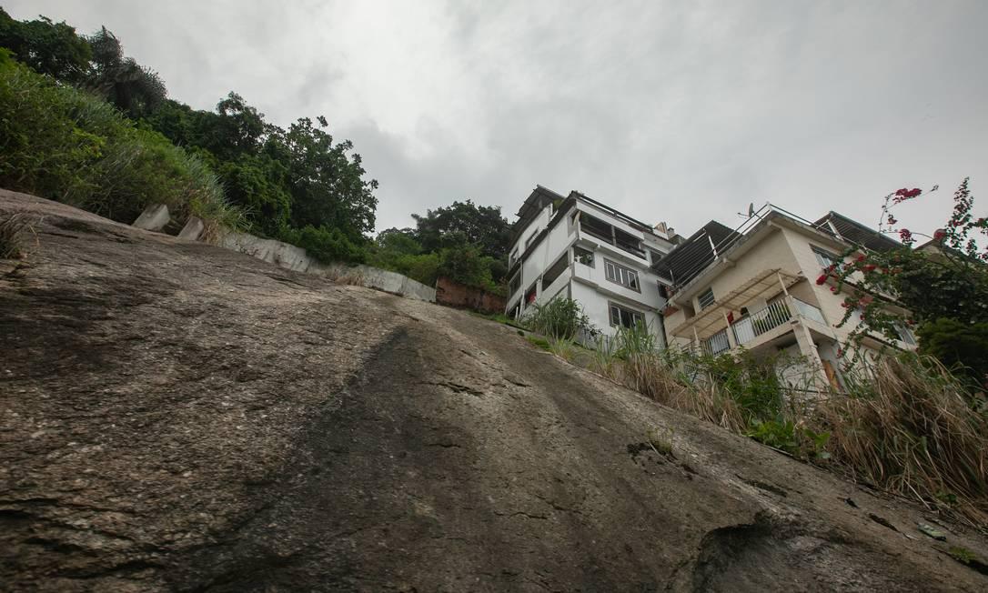Casas construídas em encosta do Vidigal: projetos que voltam à cena na Câmara Municipal ditam novas regras à ocupação de sopés de morros e de reservas florestais cariocas Foto: Brenno Carvalho / Agência O Globo