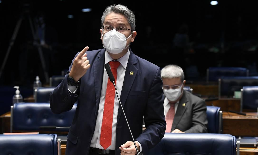 O senador Alessandro Vieira participou presencialmente de sessões do Senado este ano Foto: Jefferson Rudy/Agência Senado