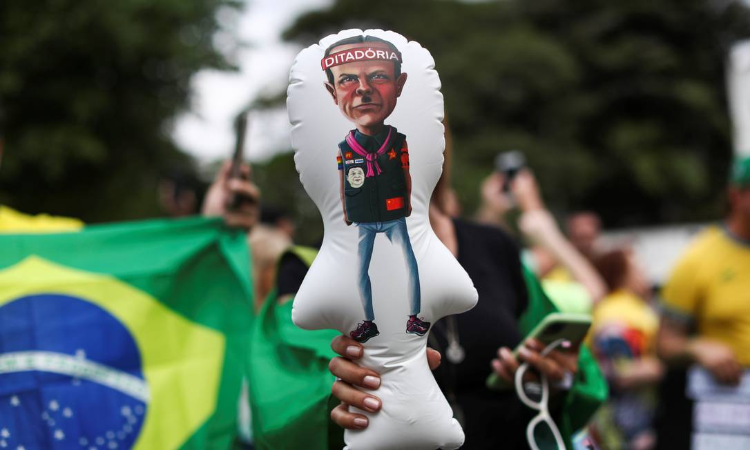 Doria é alvo de protesto contra isolamento social, em São Paulo Foto: AMANDA PEROBELLI / REUTERS