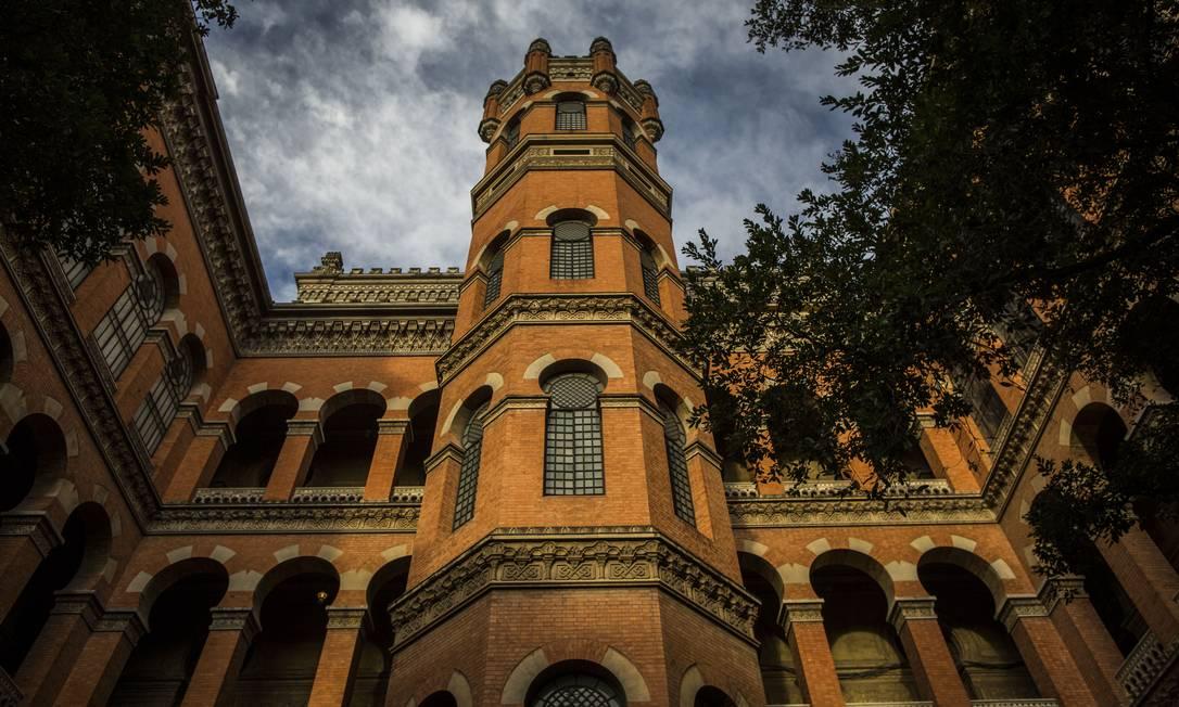 Sede da Fiocruz: Fundação atrasou envio de doses da vacina AstraZeneca/Oxford envasadas para a Anvisa Foto: Guito Moreto