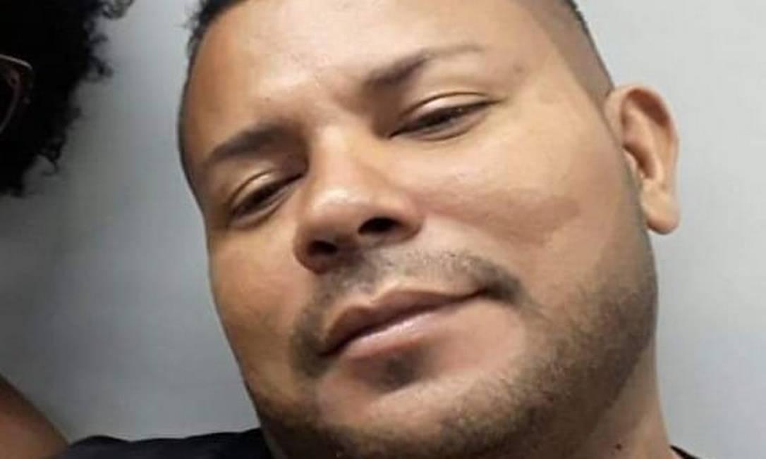 O motorista de aplicativo e cozinheiro Alexandro Seabra, de 43 anos Foto: Reprodução