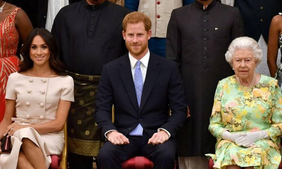 Em nota curta, Palácio de Buckingham declarou que tratará em particular das questões levantadas na entrevista Foto: Reuters