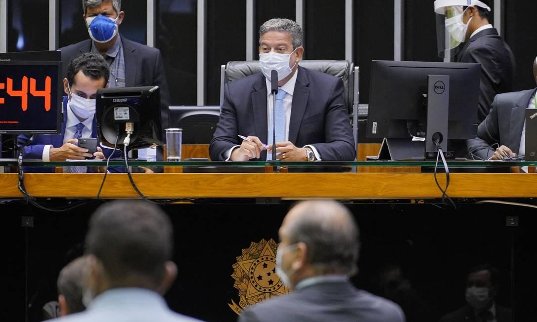 Arthur Lira preside sessão de votação da PEC Emergencial Foto: Pablo Valadares / Câmara dos Deputados