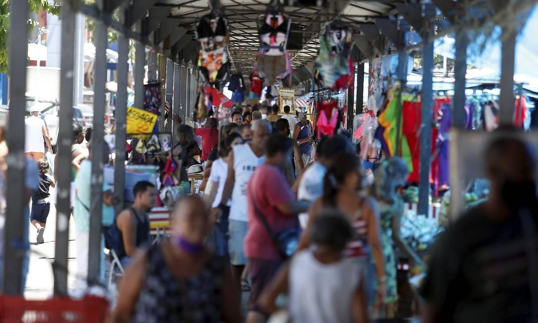 Desemprego atinge mais as mulheres e as pessoas de cor preta e parda Foto: Fabiano Rocha / Agência O Globo