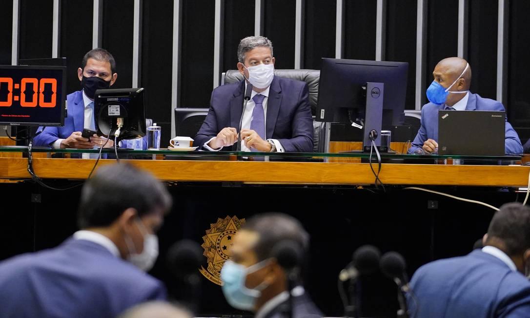 Votação da proposta que prorroga o auxílio emergencial, no plenário da Câmara Foto: Pablo Valadares / Agencia Câmara