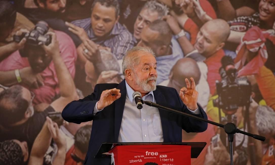 Ex-presidente Lula discursa em São Bernardo do Campo Foto: Edilson Dantas / Agência O Globo