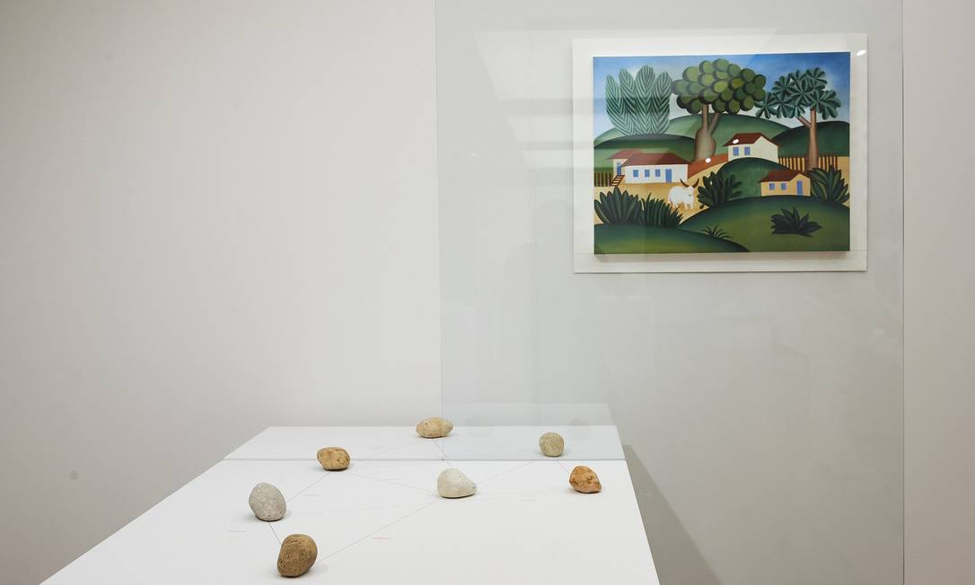 Sala Waltercio Caldas na mostra 'A escolha do artista na Coleção Roberto Marinho' Foto: Cadu Pilotto/Divulgação