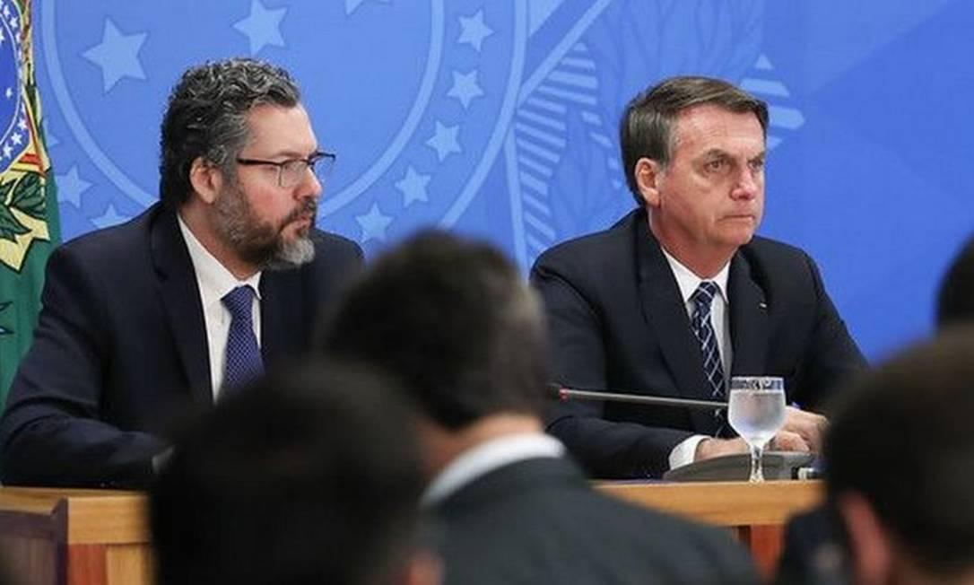 O chanceler Ernesto Araújo e Jair Bolsonaro consideram a entrada do Brasil na OCDE como uma prioridade do governo Foto: MARCOS CORRÊA/PRESIDÊNCIA DA REPÚBLICA