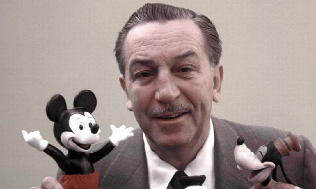 """Walt Disney, 1969: 3 anos após sua morte, a mente por trás de diversos clássicos infantis foi premiado em melhor curta animado, por """"Ursinho Puff e o Dia Chuvoso"""" Foto: Reprodução"""