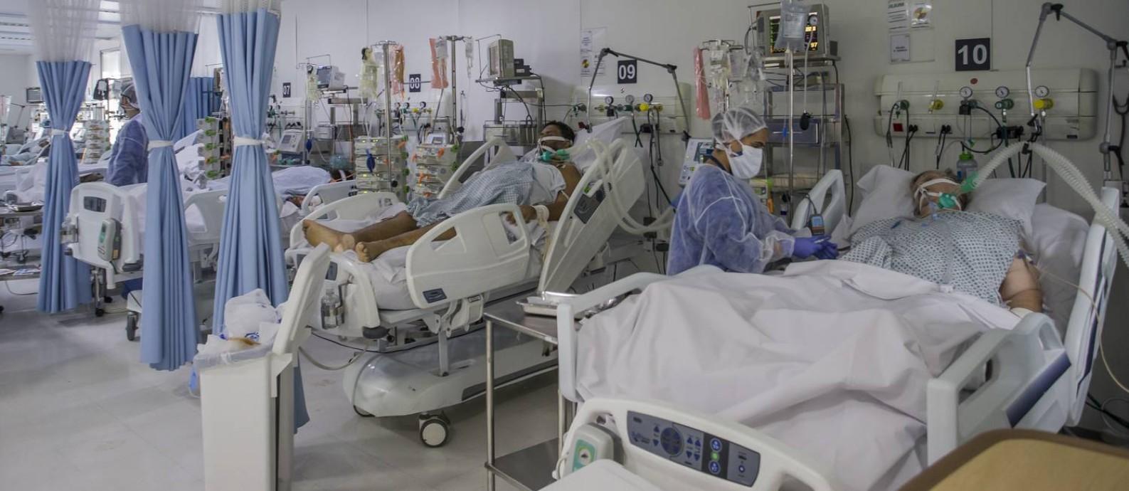 UTI de hospital na capital paulista na primeira fase da pandemia, em 2020 Foto: Edilson Dantas / Agência O Globo