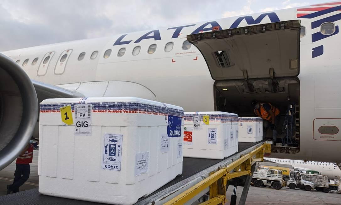 Vacinas embarcam em São Paulo rumo ao Rio Foto: Divulgação / Latam