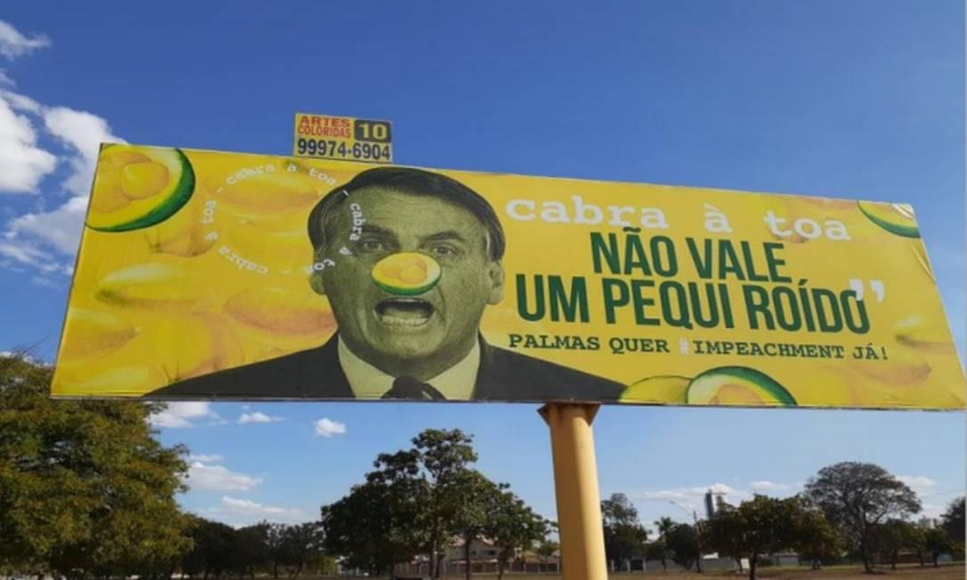 Um dos outdoors instalados em Palmas, com críticas ao presidente Jair Bolsonaro, que motivou inquérito da PF Foto: Reprodução