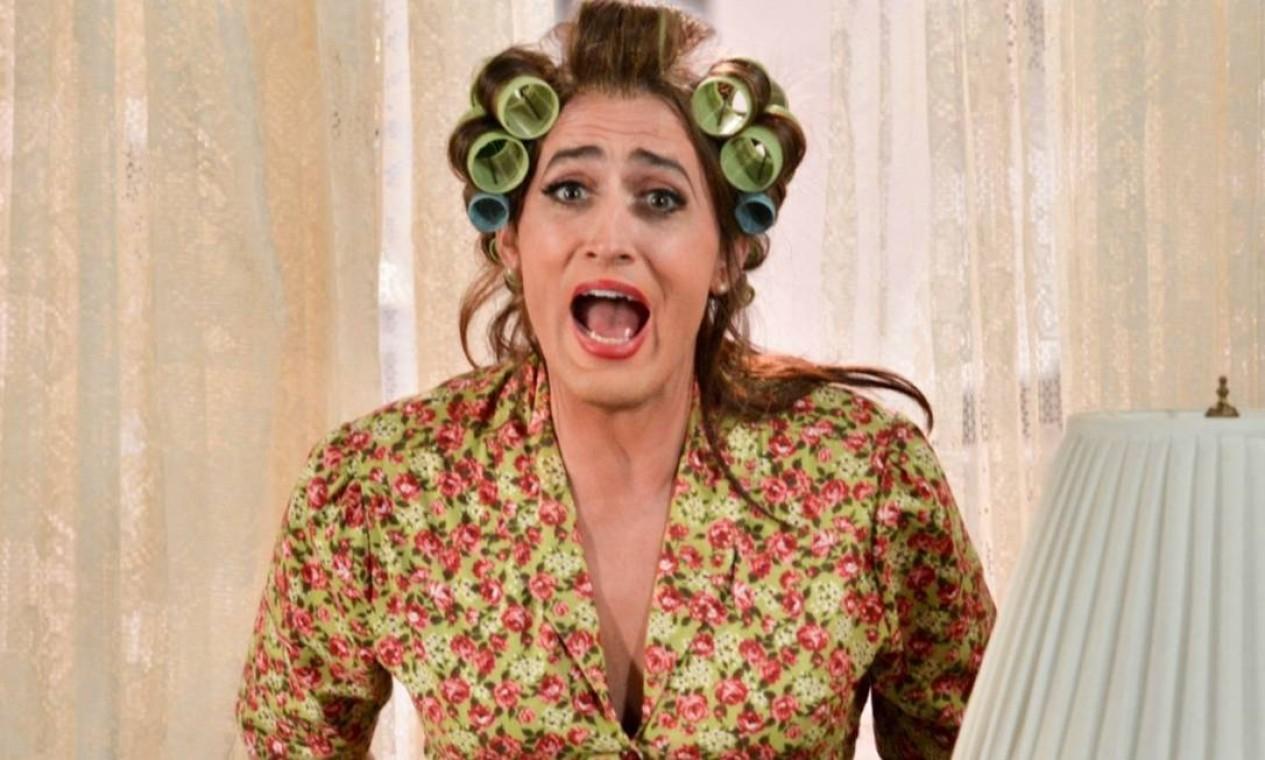 """Dona Hermínia, inspirada na própria mãe do ator Paulo Gustavo, é estrela da trilogia de humor """"Minha mãe é uma peça"""" e representa a mulher sobrecarregada pela maternidade que redescobre sua identidade ao se ver mãe de adultos Foto: Reprodução"""