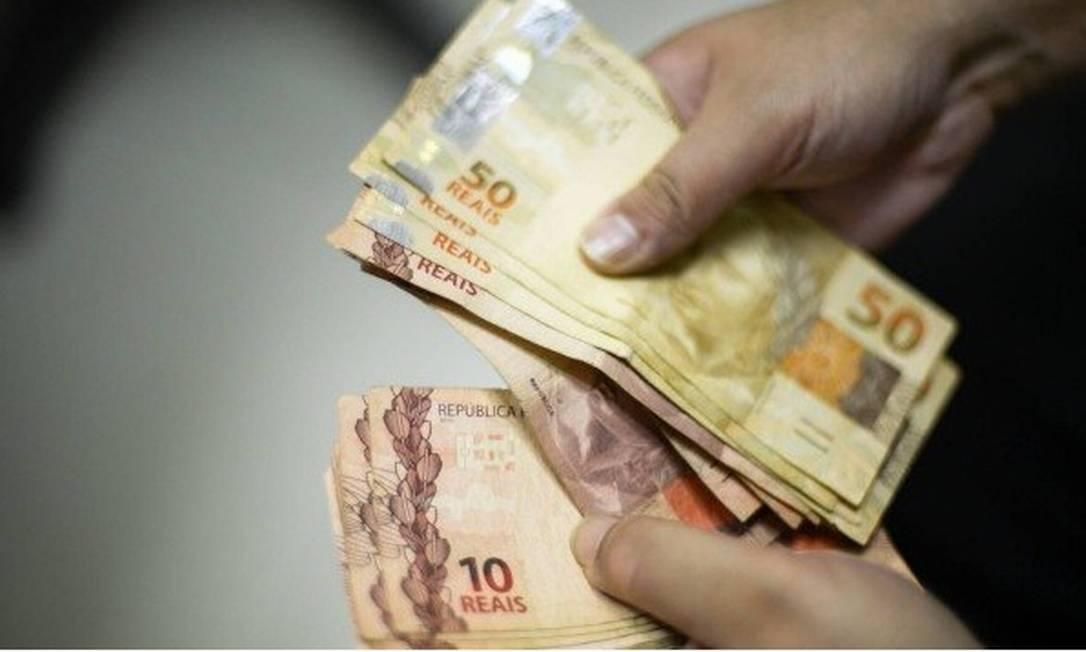 Valor de empréstimo acima de R$ 5 mil precisa ser incluído na declaração do IR Foto: Arquivo