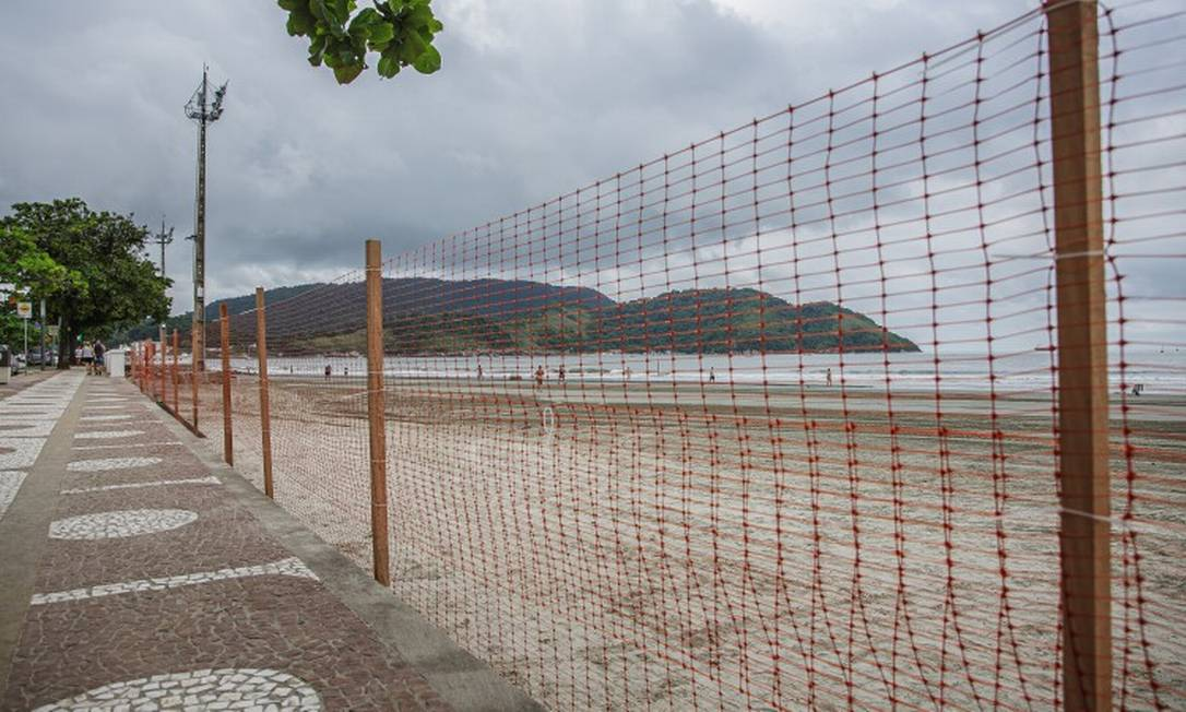 Santos fechou as praias da cidade após decreto de lockdown Foto: FramePhoto / Agência O Globo