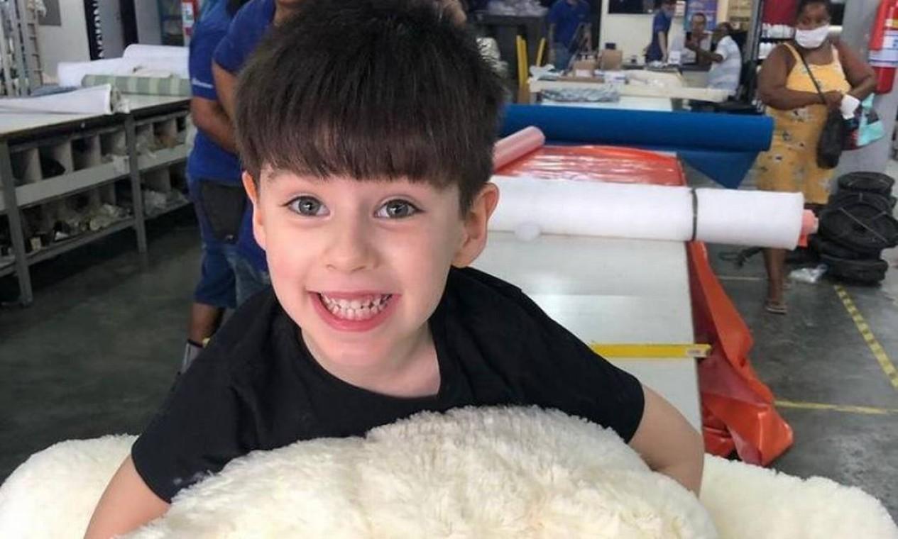 Laudo do Instituto Médico- Legal (IML) constatou muitas lesões espalhadas pelo corpo do menino, infiltrações hemorrágicas nas partes frontal, lateral e posterior da cabeça, contusões no rim, no pulmão e no fígado. A mãe afirmou acreditar que ele tenha caído da cama e batido a cabeça Foto: Reprodução / Instagram