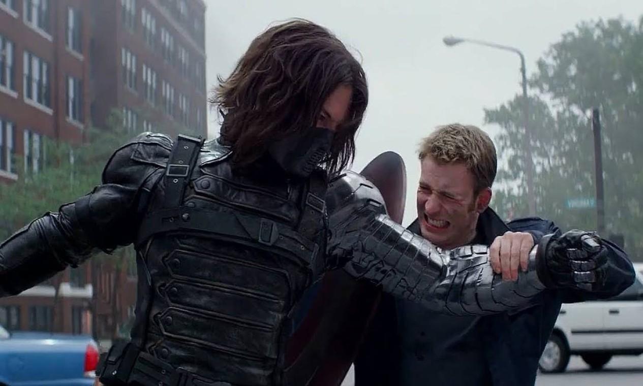 'Capitão América: O Soldado invernal' (2014): Enquanto se adapta a modernidade, Steve se junta à Viuva Negra para derrotar o Soldado Invernal. Foto: Reprodução