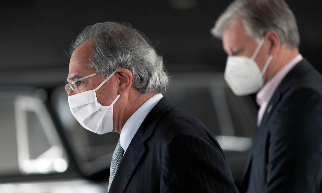 Ministro da Economia, Paulo Guedes, que passou a defender vacinação em massa para permitir retomada da economia Foto: UESLEI MARCELINO / REUTERS