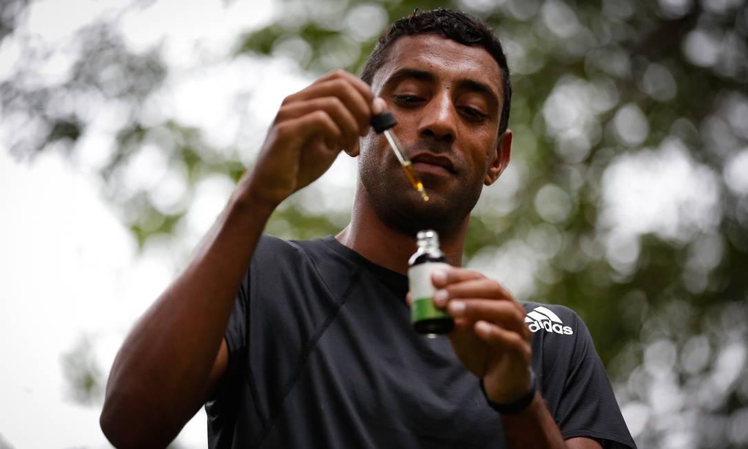 Maratonista Daniel Chaves, que tem índice para os Jogos de Tóquio, usa canabidiol para tratar dores Foto: Pablo Jacob / Agência O Globo