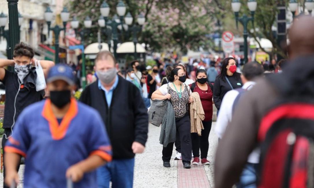 Na sexta-feira, começam os feriados antecidados de 10 dias em São Paulo e Rio para reduzir a circulação nas ruas Foto: GIULIANO GOMES / Infoglobo