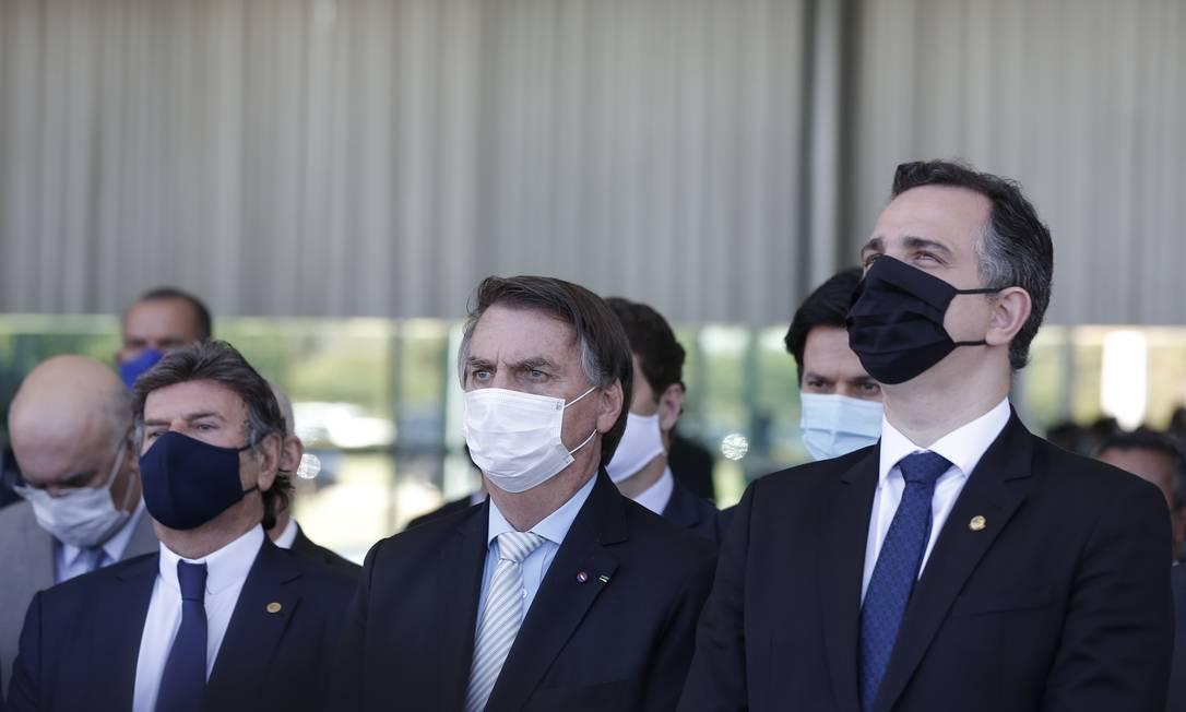 Os presidentes Luiz Fux (STF), Jair Bolsonaro e Rodrigo Pacheco (Senado), após reunião no Palácio da Alvorada Foto: Pablo Jacob/Agência O Globo