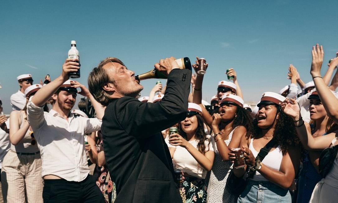 """Mads Mikkelsen em cena do filme"""" Druk - Mais uma rodada"""", de Thomas Vinterberg Foto: Divulgação"""