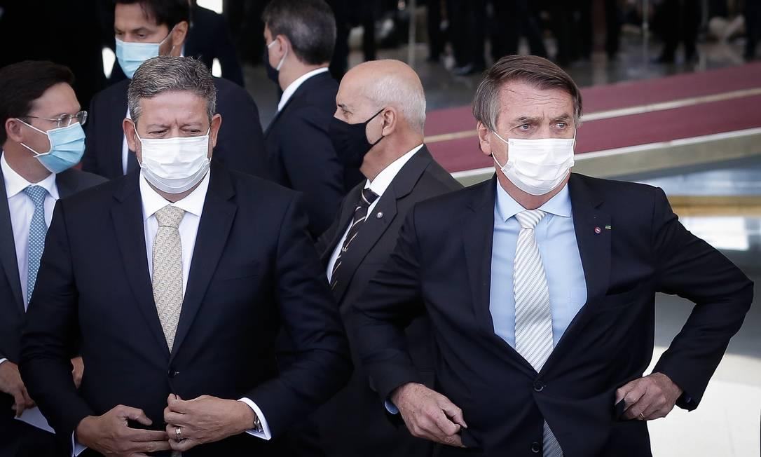 O o presidente da Câmara, Arthur Lira, e o presidente Jair Bolsonaro após reunião no Palácio da Alvorada Foto: Pablo Jacob/Agência O Globo/24-03-2021