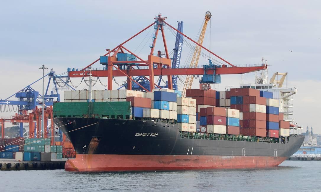 Navio iraniano Shahr-é-Kord no porto de Haydarpasa, na Turquia Foto: YORUK ISIK / REUTERS