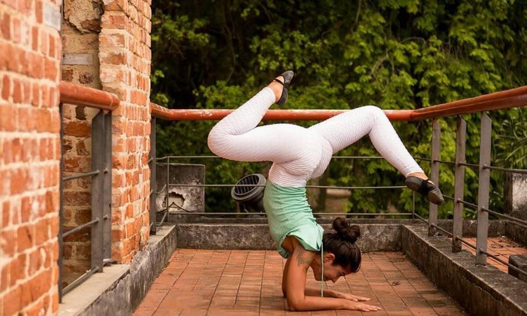 A professora de ioga Fabiana Franco diz que os novos alunos a procuraram na pandemia para combater à ansiedade Foto: Divulgação / Fabiana Franco