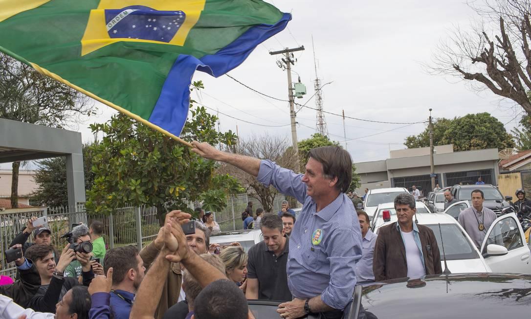 Bolsonaro em campanha em Barretos 25/08/2018. Presidente terá que viajar em avião da FAB e ressarcir os cofres públicos Foto: Edilson Dantas / Agência O Globo