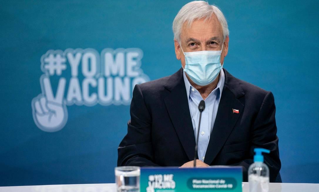 Presidente do Chile, Sebastián Piñera, durante entrevista coletiva neste domingo, 28 de março Foto: MARCELO SEGURA / AFP