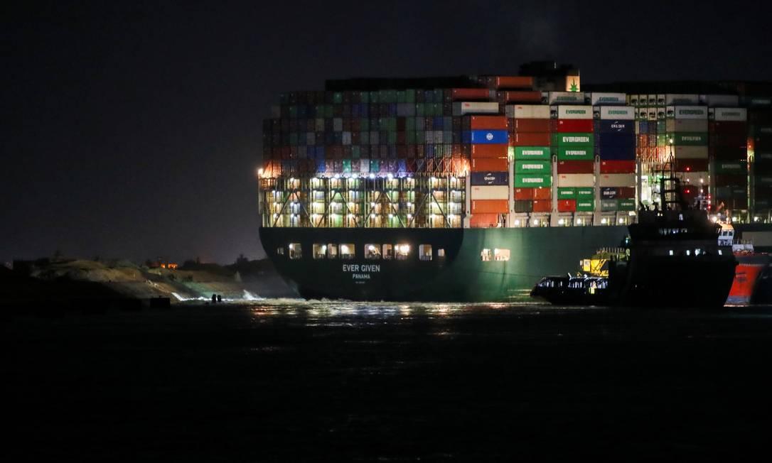 Canal de Suez, no Egito, é rota para cerca de 12% do comércio global Foto: MOHAMED ABD EL GHANY / REUTERS