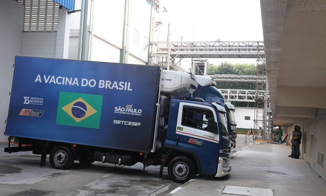 Vacinas compradas pela iniciativa privada devem ser doadas ao SUS Foto: Agência O Globo
